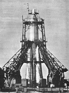 Raketenstart, der Sputnik 1 ins All bringen soll