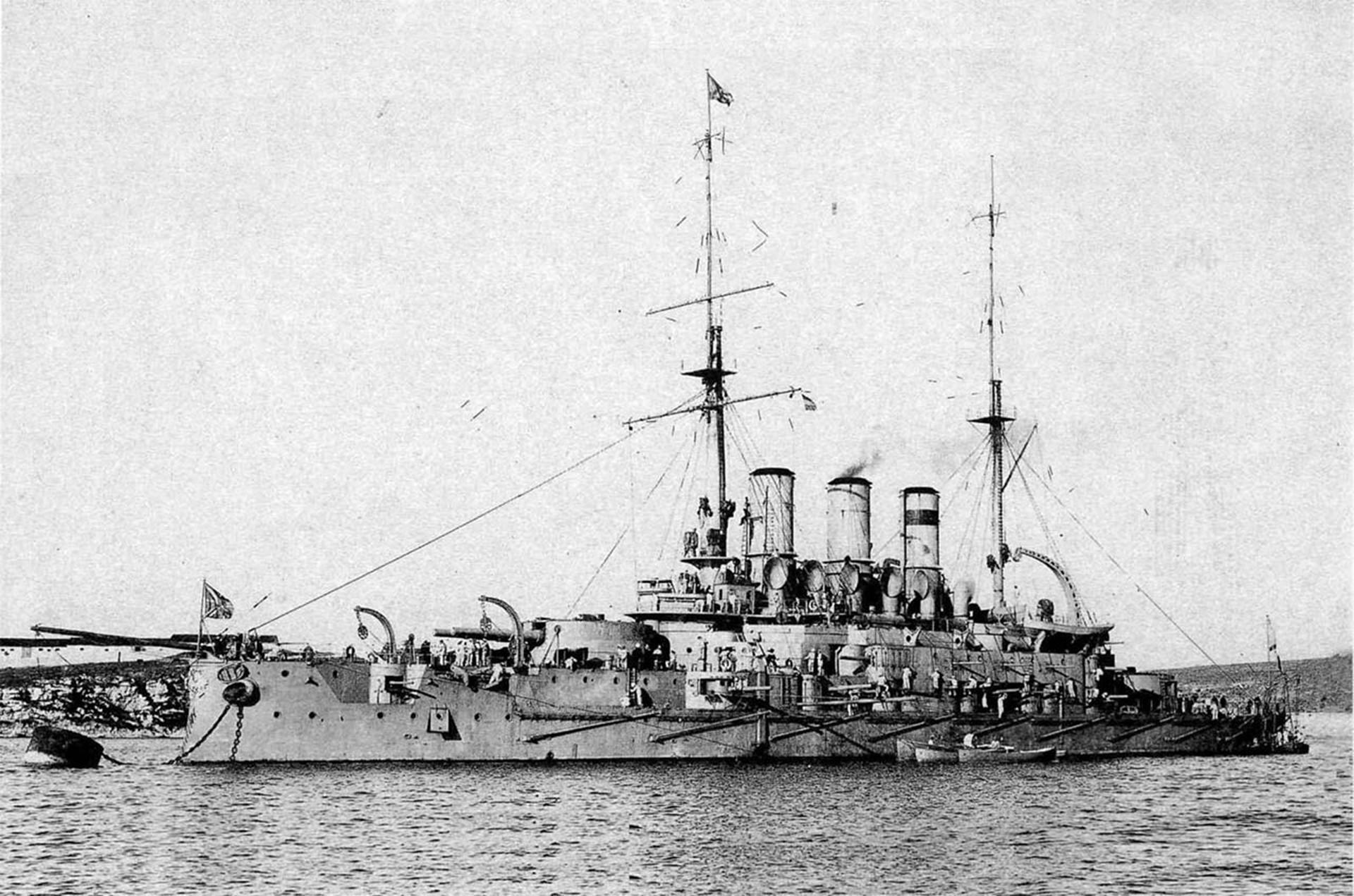 """Императорски руски ратни брод """"Пантелејмон"""" у Севастопољу, лето 1912. године."""