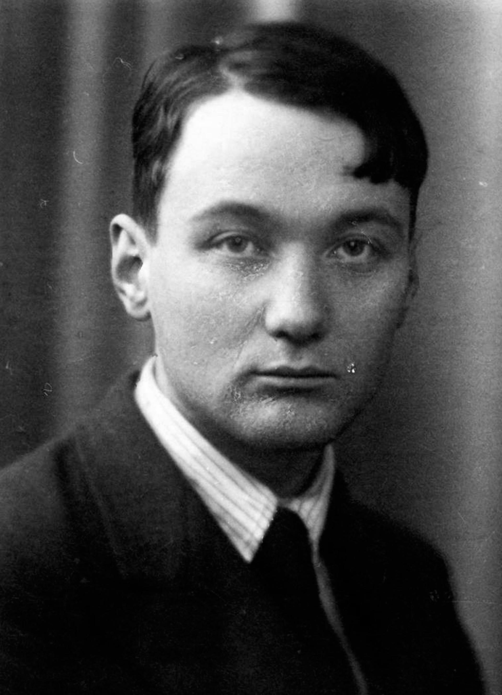 Lev em 1934, um ano antes de ser preso pela primeira vez.