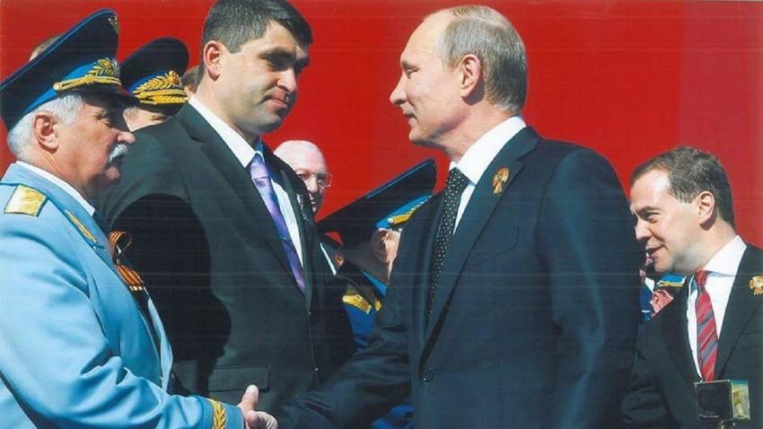 Александар Салујанов и Владимир Путин