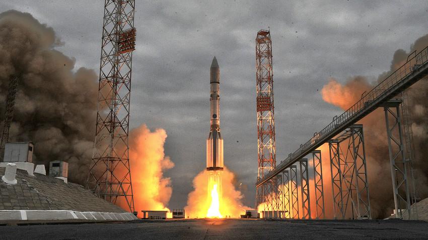 """Протон-М"", Казахстан, Космодром Бајконур."