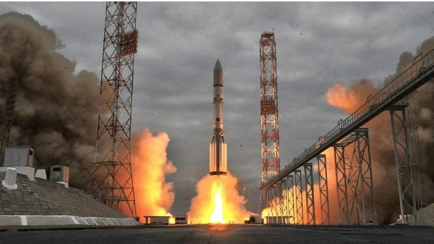 Proton-M, Kazahstan, Kosmodrom Bajkonur.