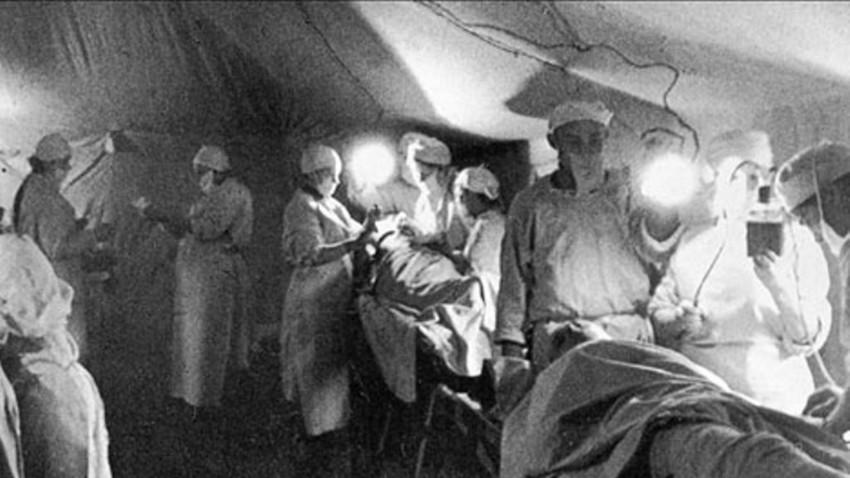 Операция в полева болница. 1942 г.