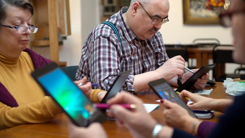 Stariji građani će moći pohađati računalne tečajeve i još mnogo toga.