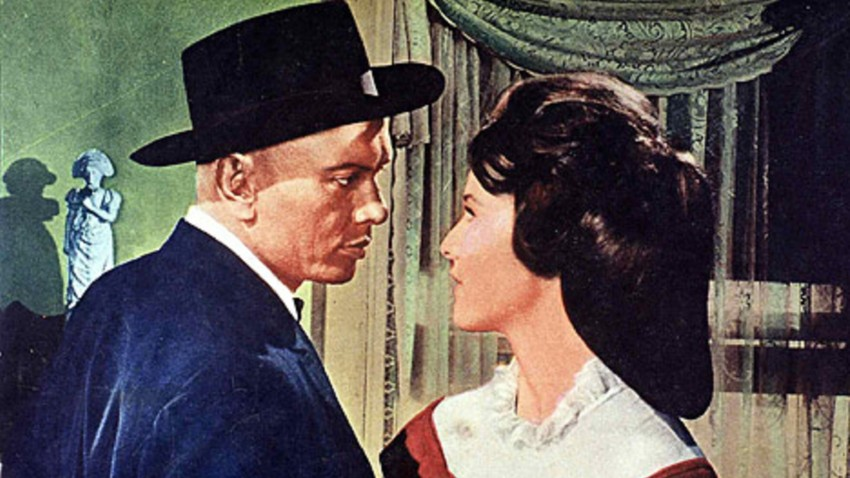 Yul Brynner y Janice Rule en 'Invitation to a Gunfighter' (1964).