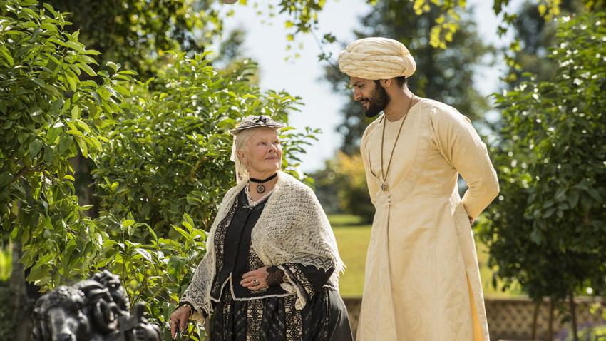 A screenshot from 'Victoria & Abdul'