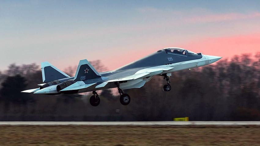 Jet tempur generasi kelima Sukhoi PAK FA (T-50).