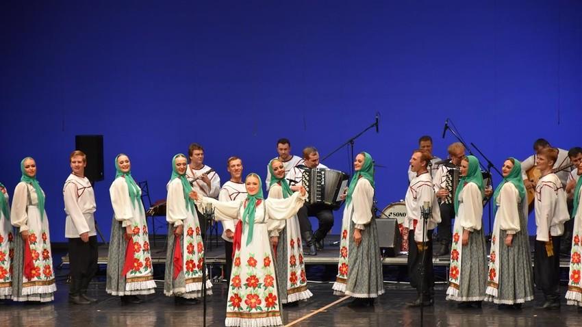 Akademski zbor Pjatnickega v SNG Opera in balet Maribor