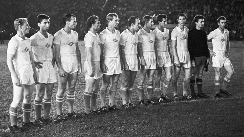 FC Spartak Moscow players before a football match, 1963