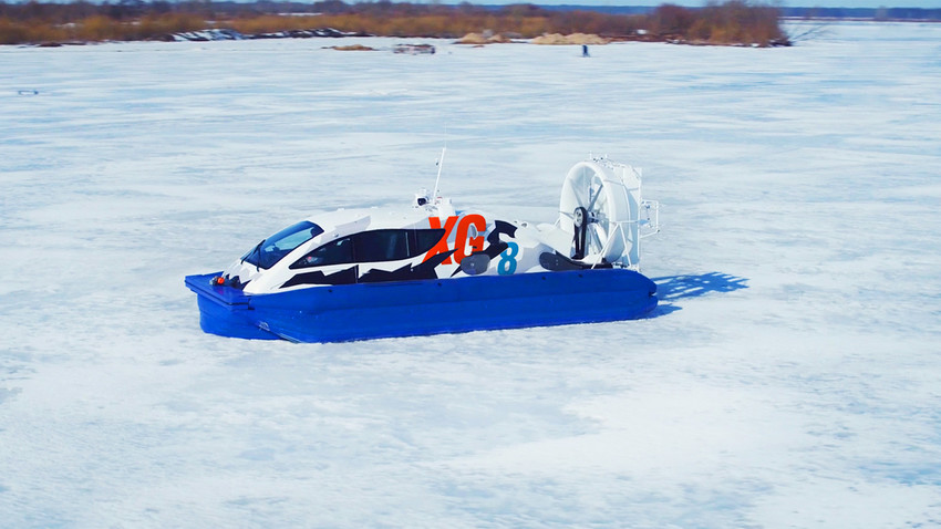 This ship covers up to 750 kilometers thought ice, sea, snows and sands on just one tank.