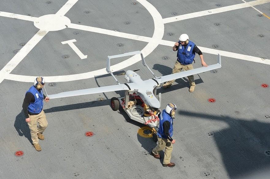 Brezpilotno letalo RQ-21 Blackjack ameriške izdelave.
