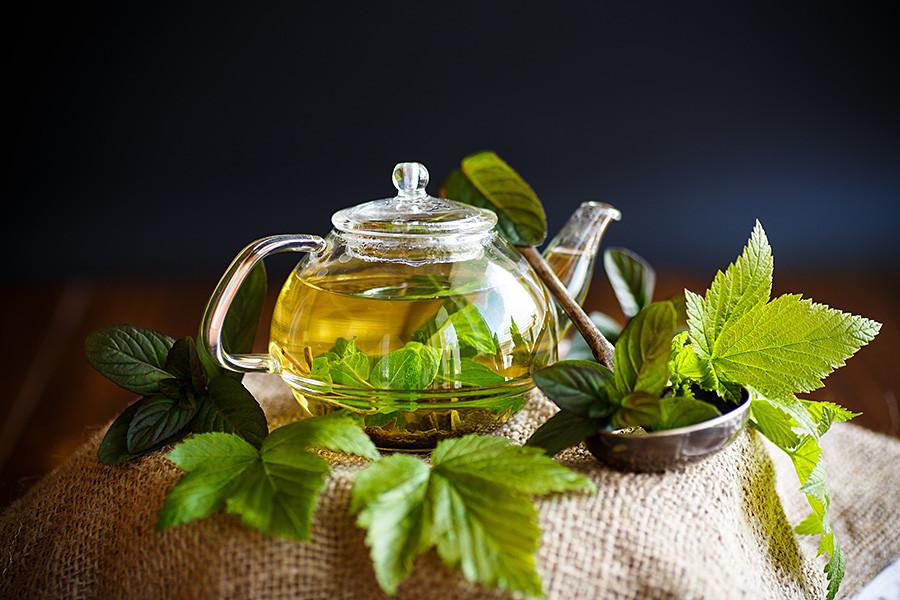 スグリ葉入りの茶。