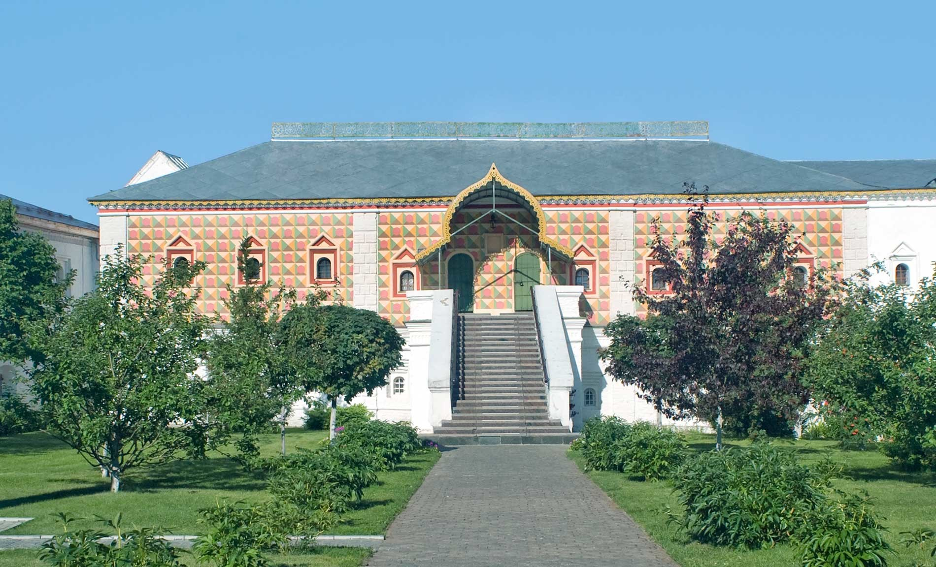 Trinity-Ipatiev Monastery. Romanov Chambers, east view. Aug. 13, 2017.