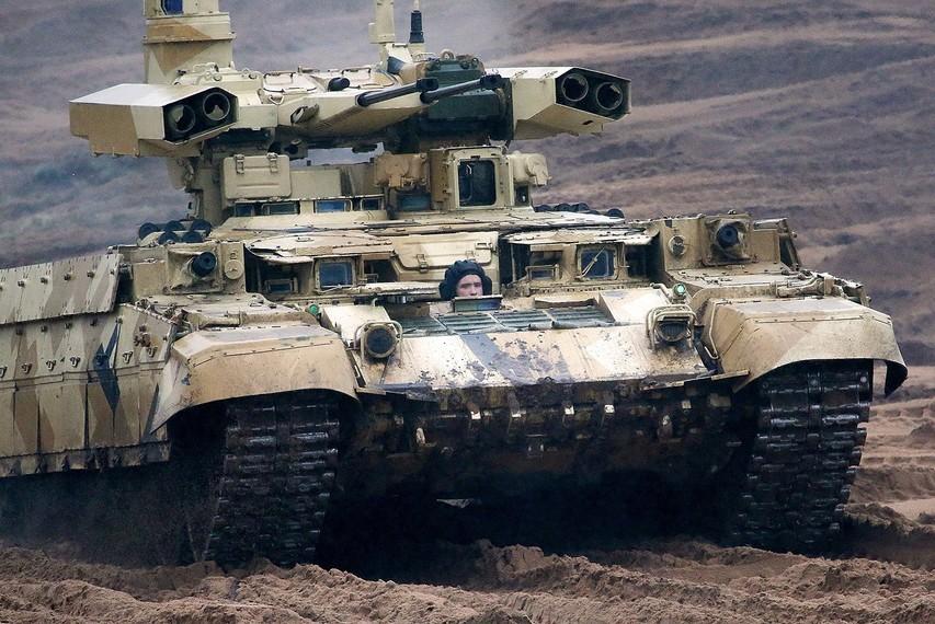 Težki bojni stroj BMPT-72 (Terminator 2) na vojaških vajah Zahod 2017.