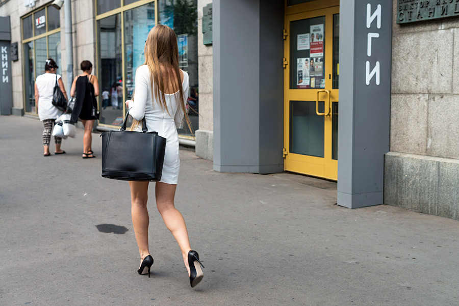 547eed384fb Different studies claim that women wearing high heels are more attractive.