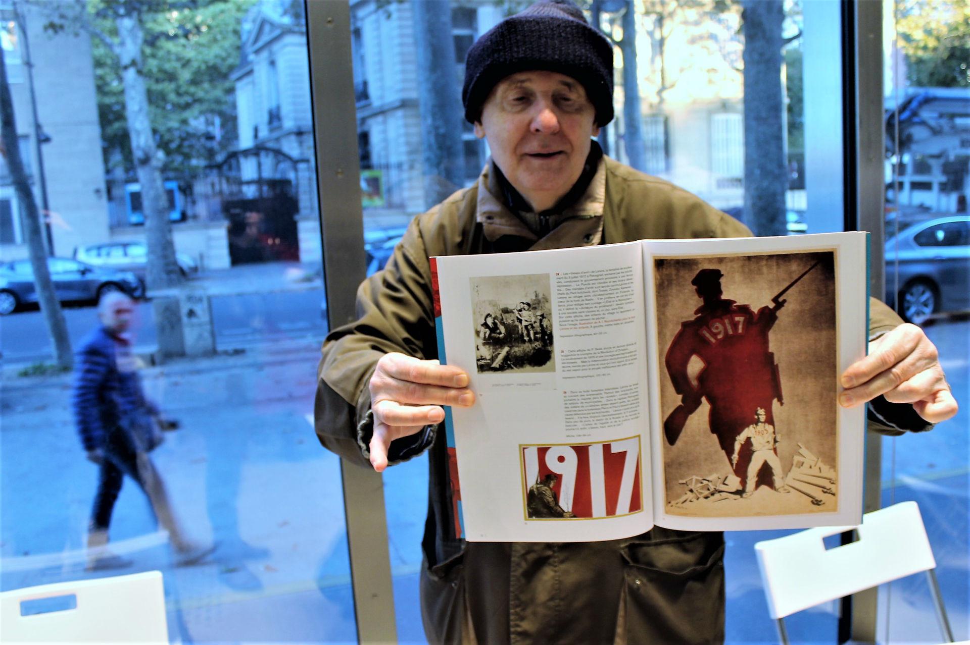 Alain Gesgon, collectionneur et créateur du Musée International de l'affiche politique.