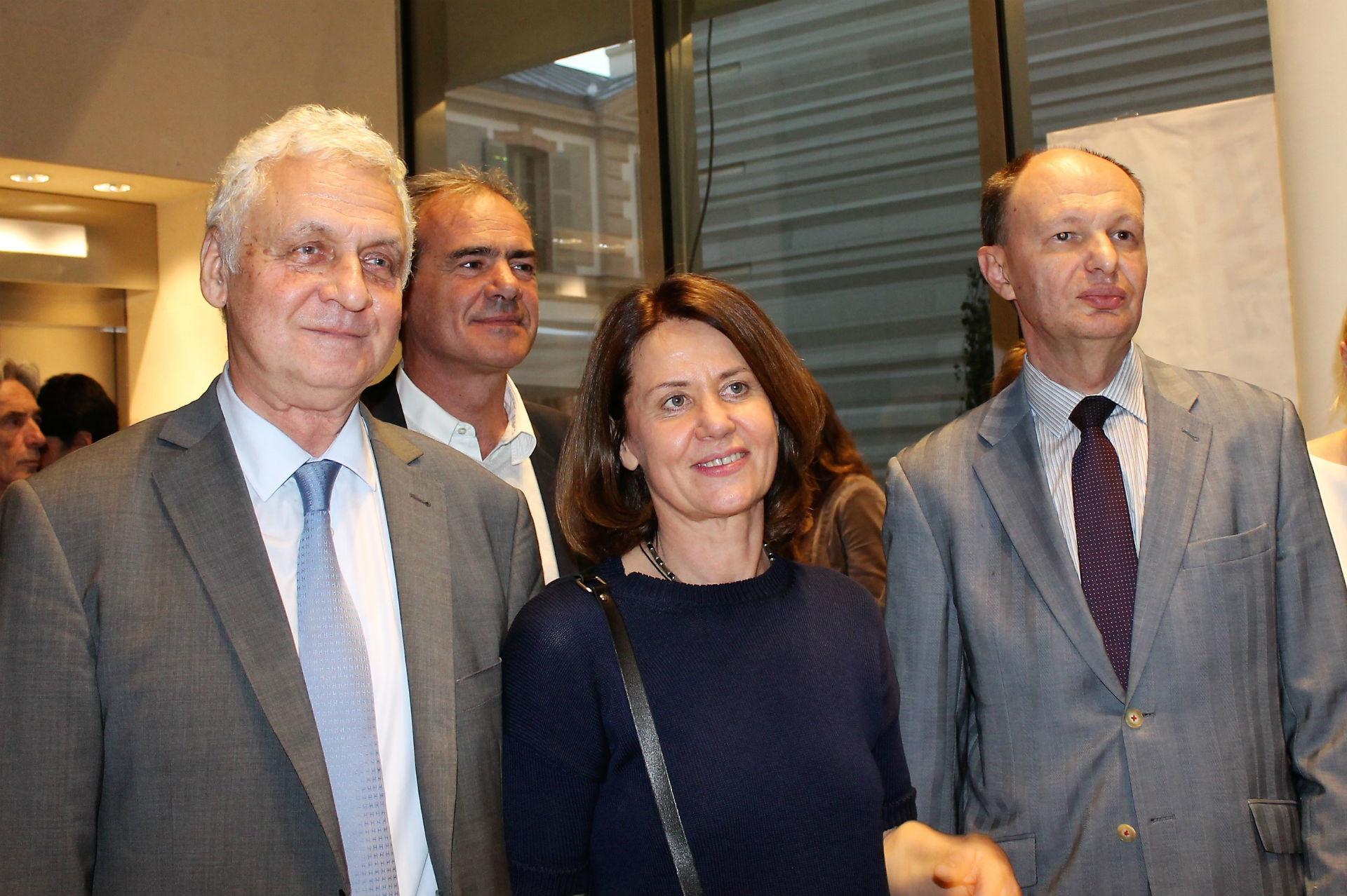 L'ambassadeur de Russie Alexandre Orlov, Présidente du salon Russkaya Literatura Irina Rekchan, le ministre des communications russe Mikhaïl Seslavinsky.
