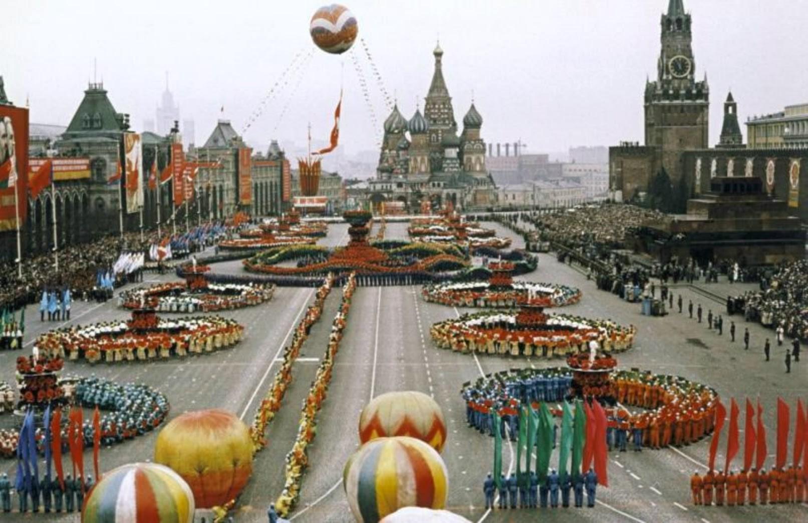 1959年5月1日(メーデー)のパレード。