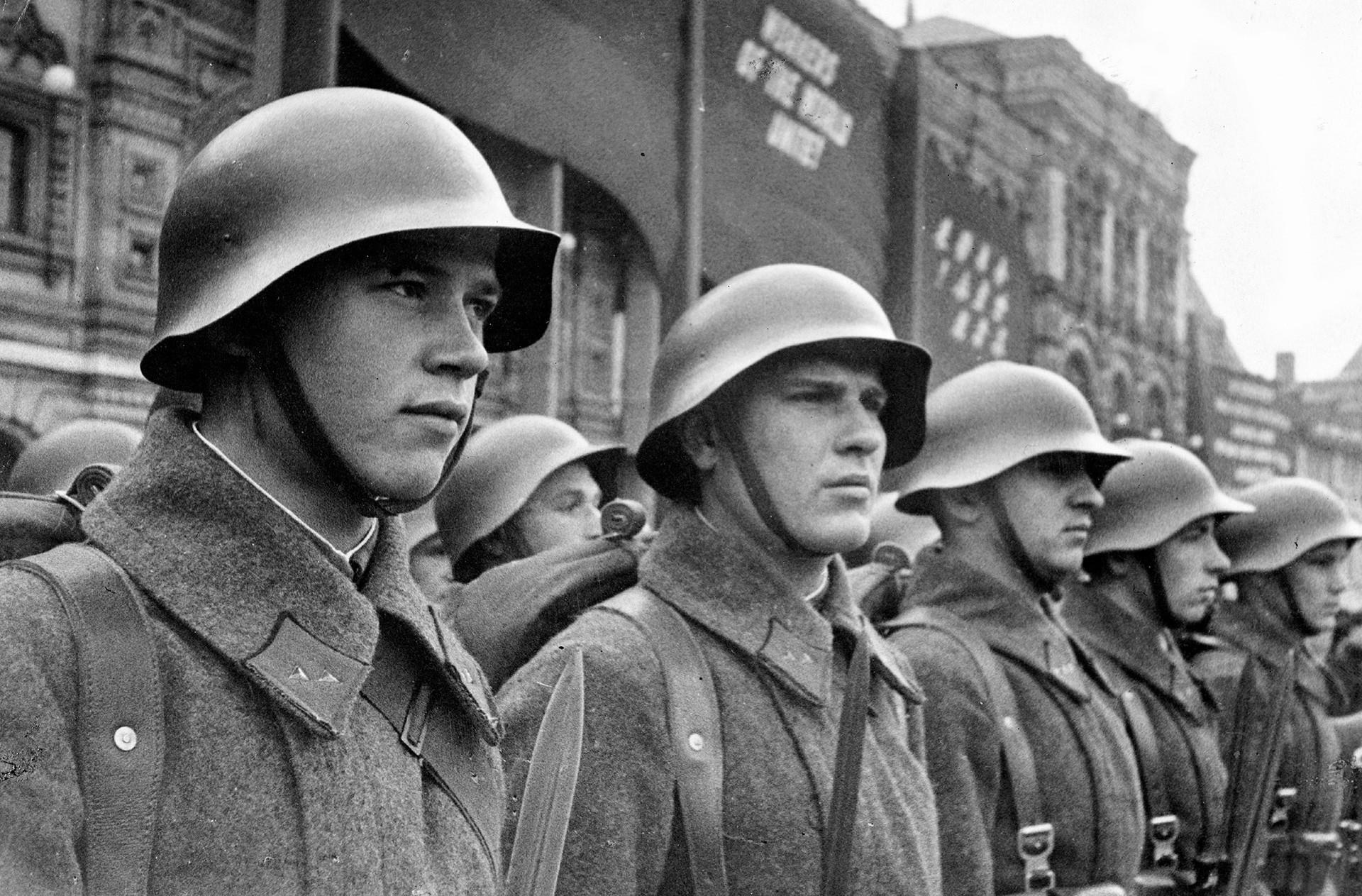 Vojnici Crvene armije u SSSR-u.