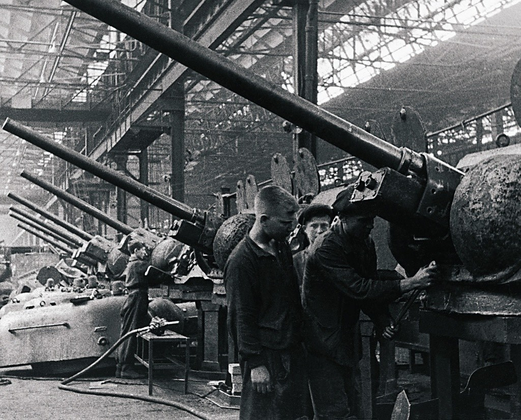 Кировски танков завод - сегашният Челябиснки тракторен завод