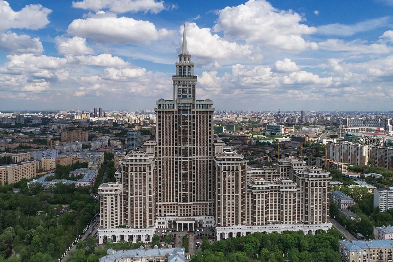 Triumf palača - najvišja stanovanjska zgradba v Moskvi in Evropi.