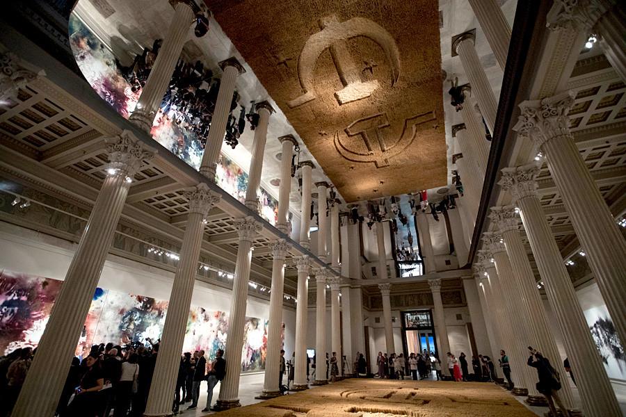 Instalación del artista chino Cai Guo-Qiang en el Museo Pushkin de Bellas Artes.