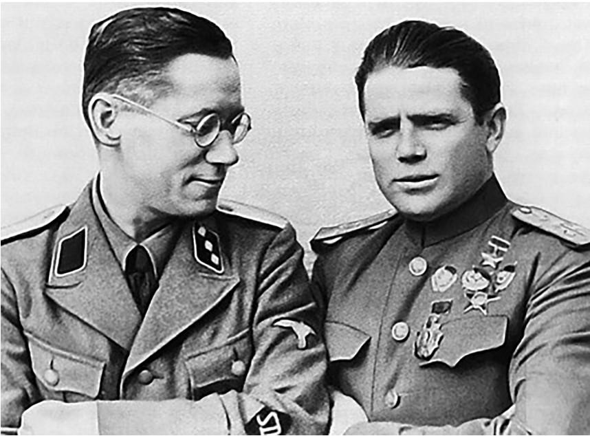 Pjotr Ivanovič Tavrin (desno).