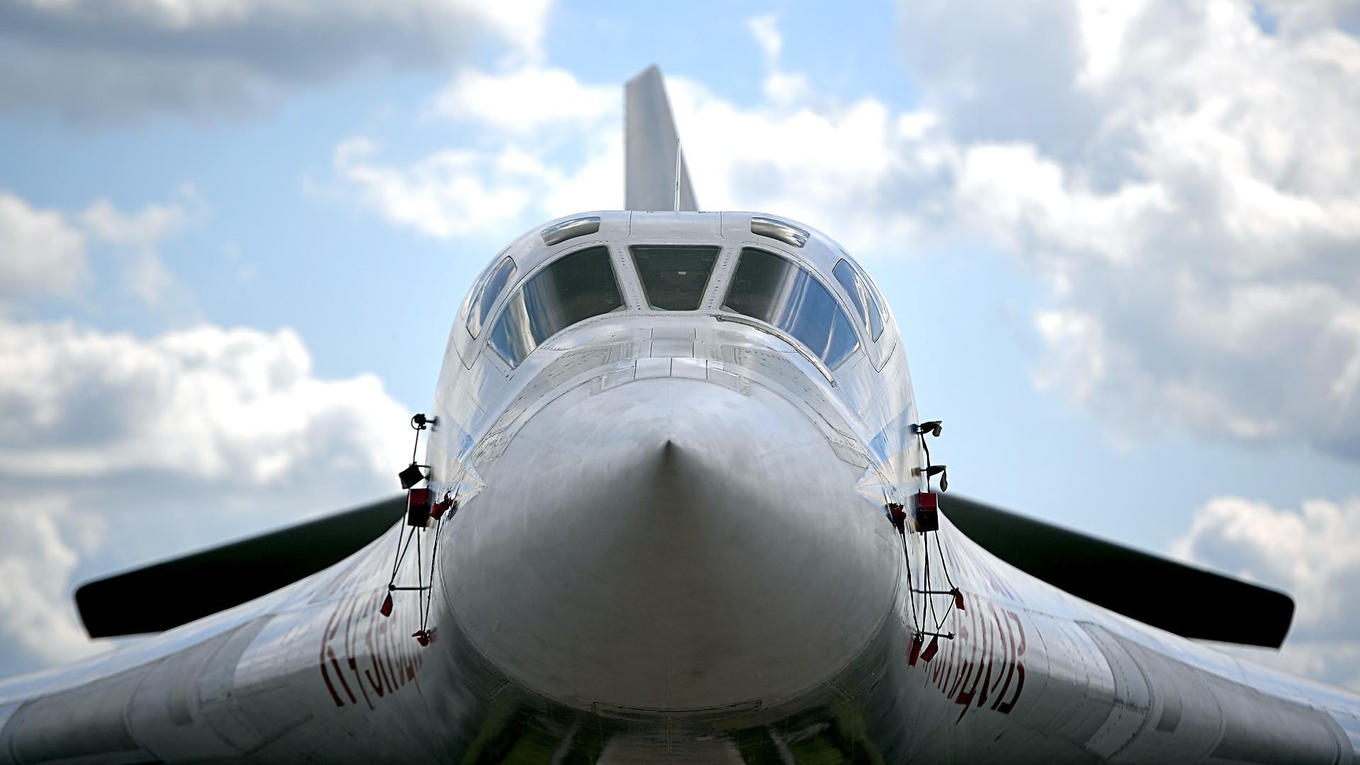 A Tupolev Tu-160 supersonic heavy strategic bomber at the International Aviation and Space Salon MAKS-2017 in Zhukovsky.