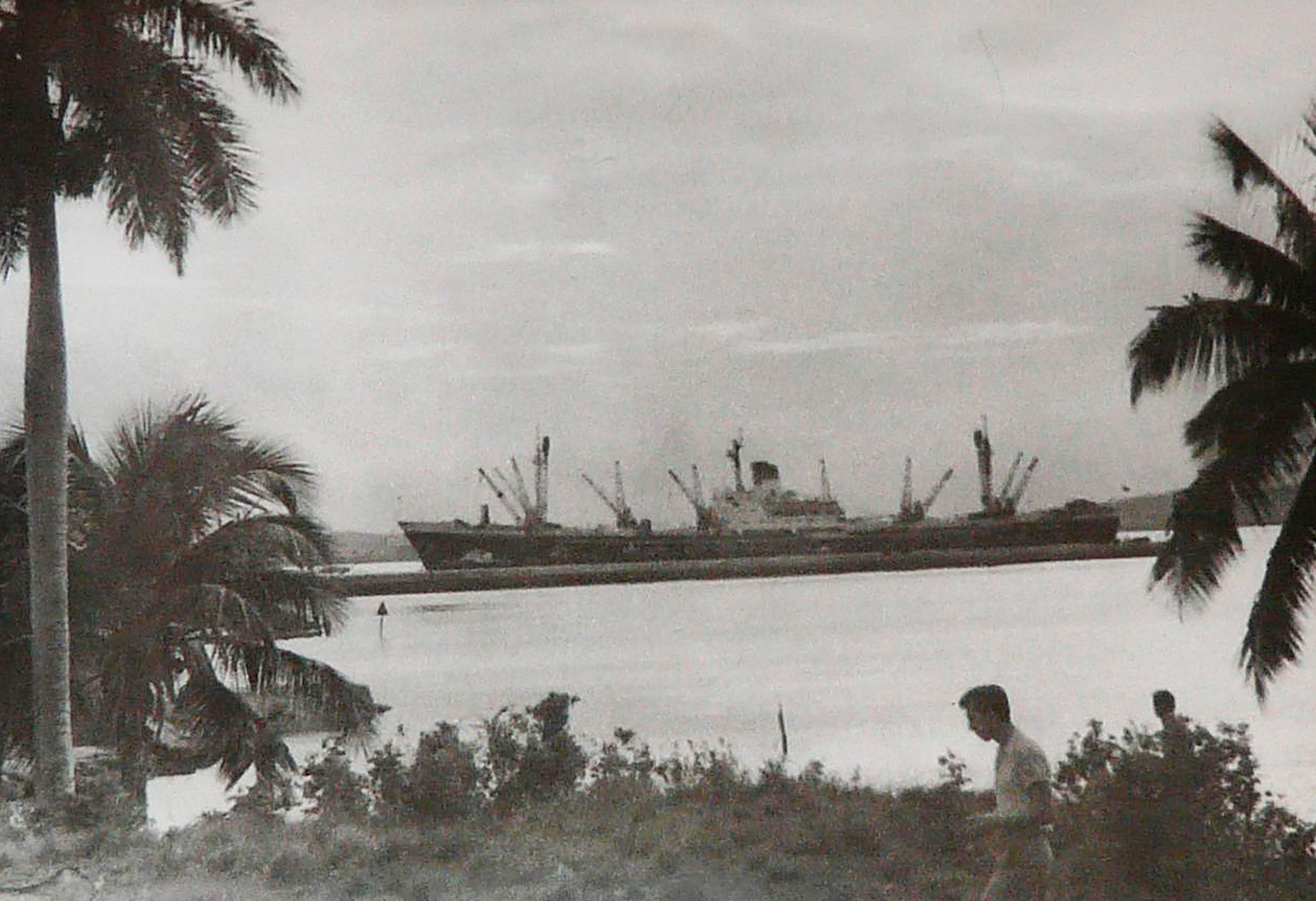 Carguero soviético en Cuba.