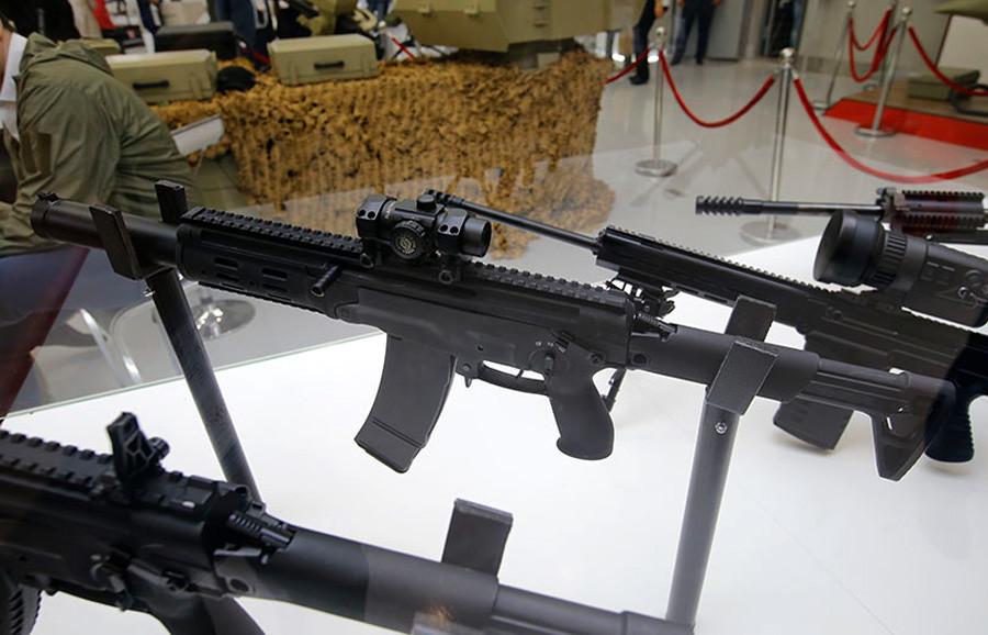 """АМБ-17, концерн """"Калашњиков""""."""