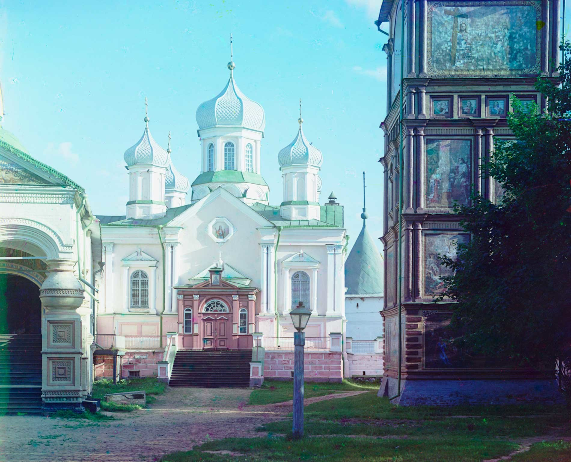 Trinity-Ipatiev Monastery. Cathedral of Nativity of the Virgin; bell tower. North view. Summer 1910