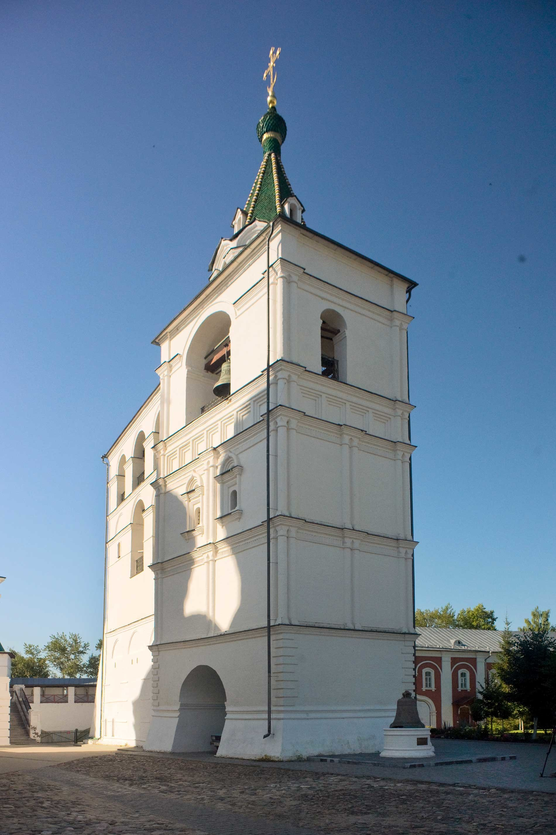 Trinity-Ipatiev Monastery. Cathedral bell tower, northeast view. Aug. 13, 2017.