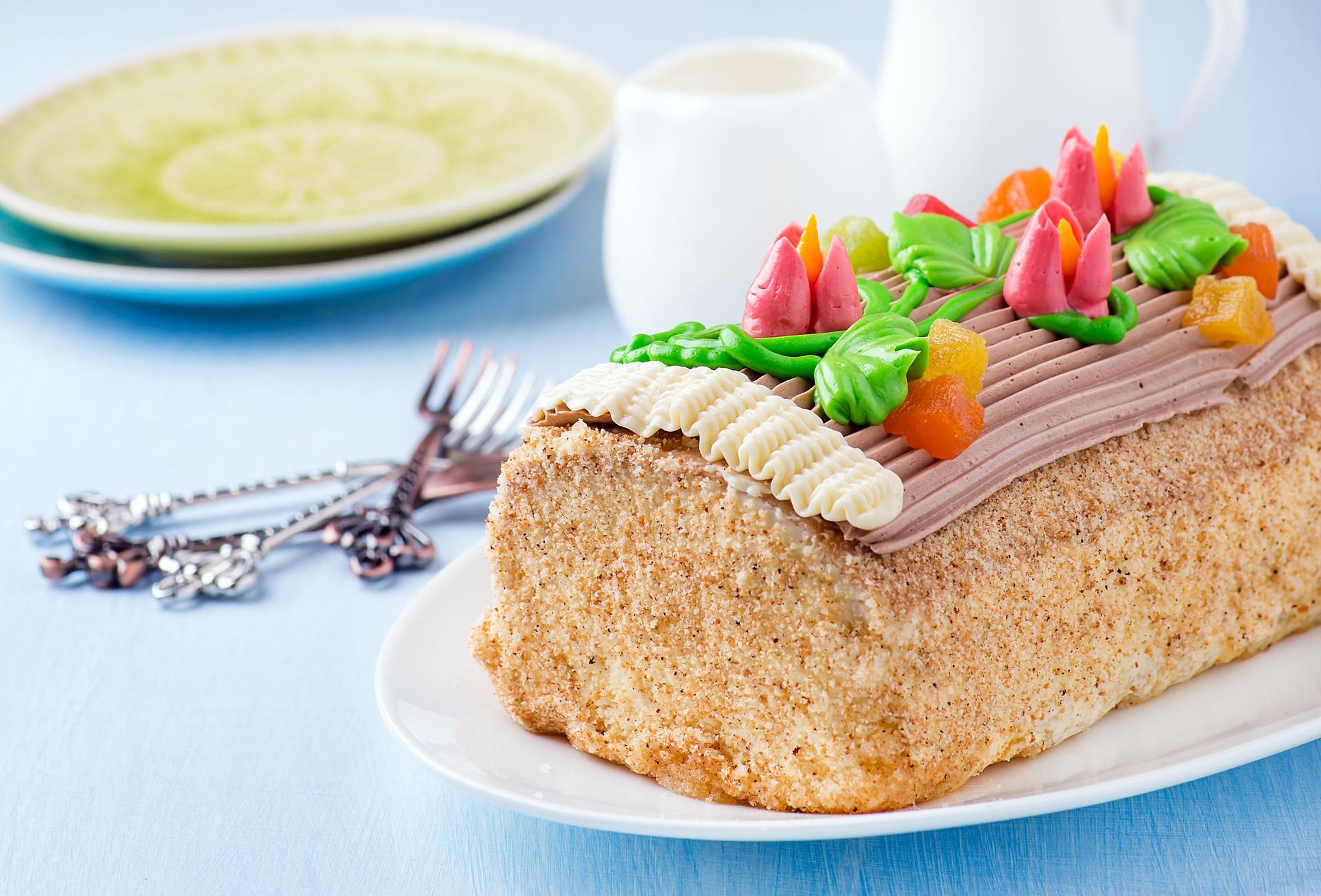 「スカスカ」ケーキ