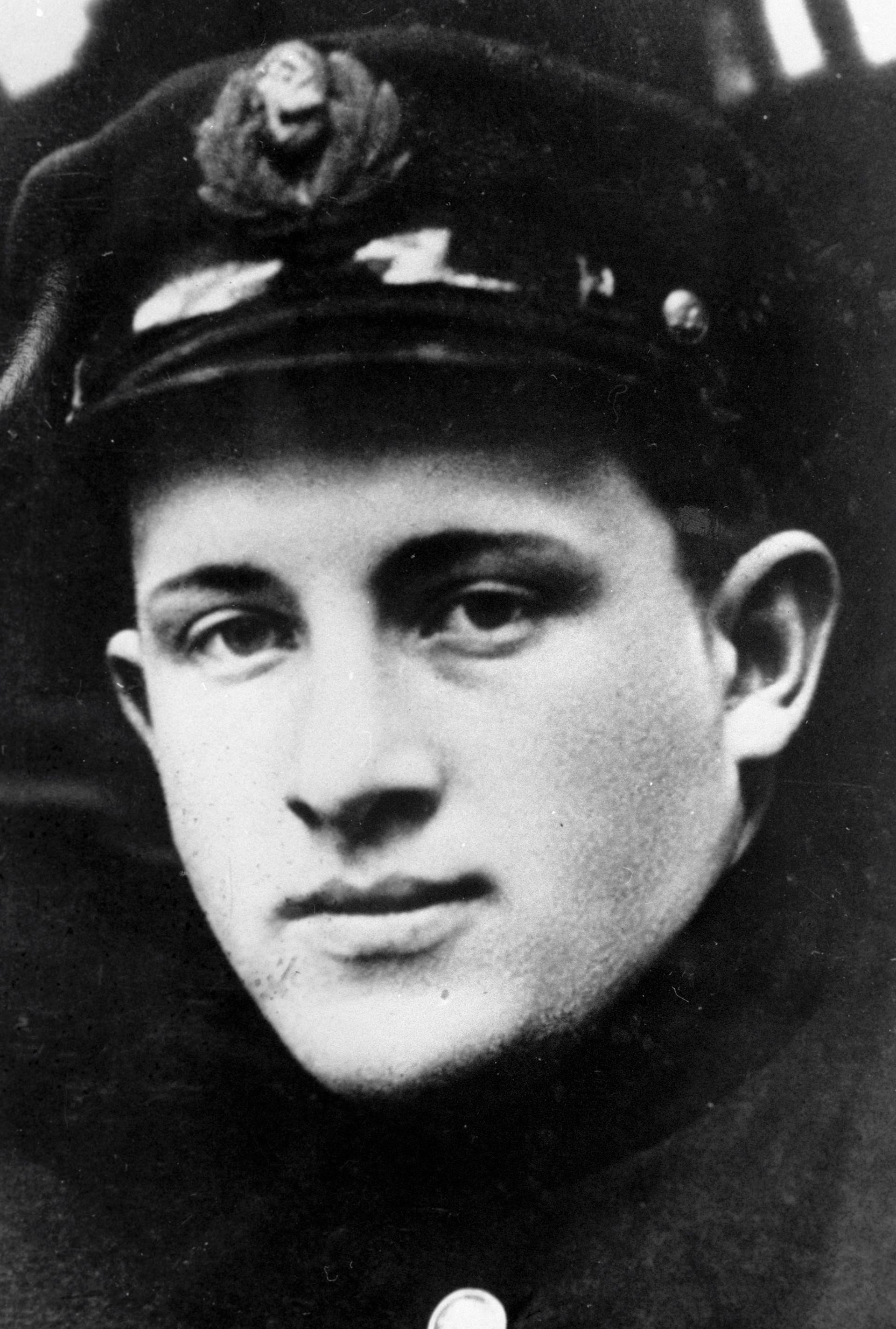 Bevor er Generalsekretär wurde, war Jurij Andropow 15 Jahre lang Chef des sowjetischen Keheimdienstes KGB. Er löste breschnew 1982 auf dem Posten des höchsten Staatsamtes ab, starb jedoch nur ein Jahr und drei Monate später. Das Bild zeigt Andropow als Student, 1936
