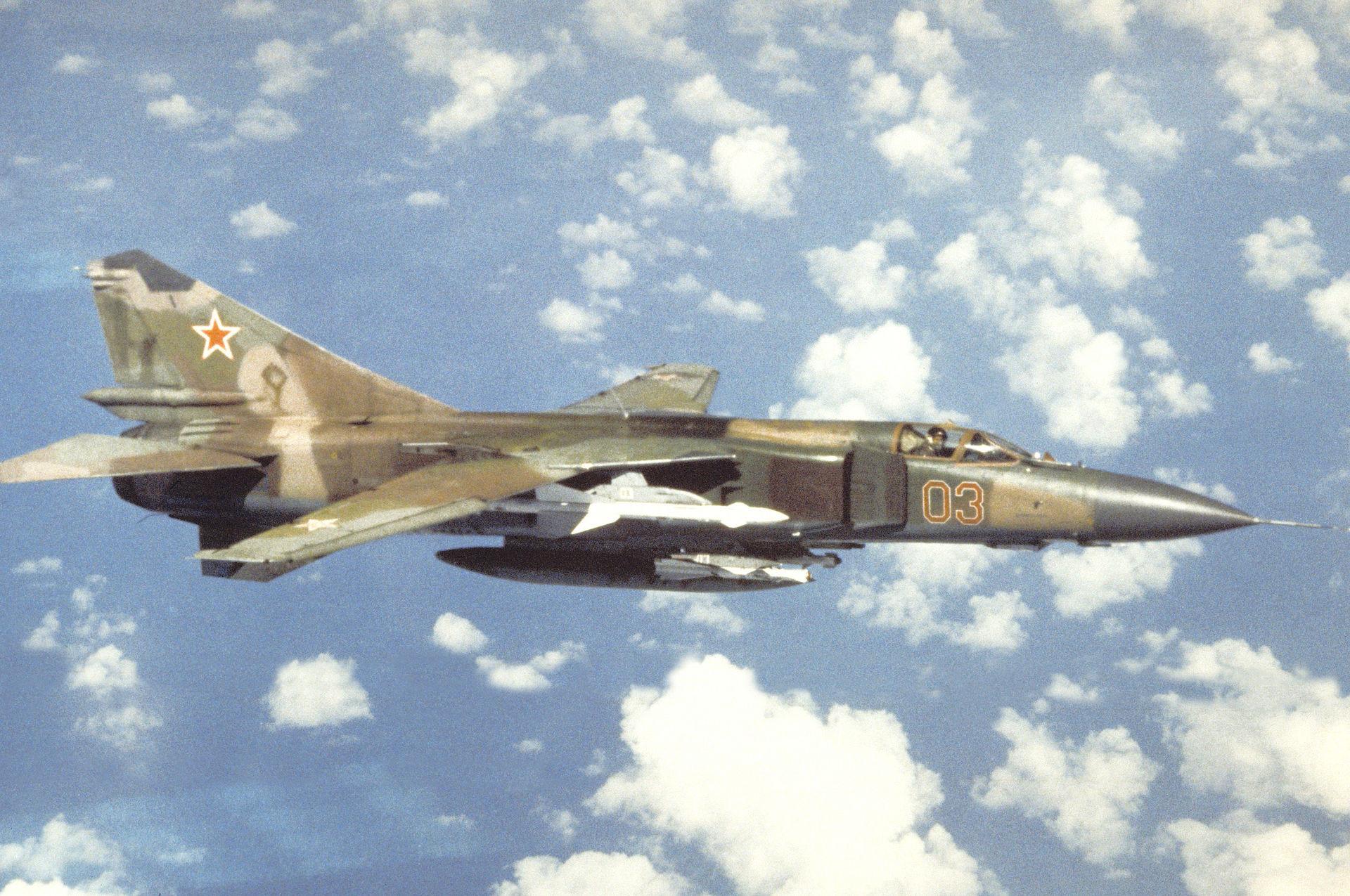 Avión soviético MiG-23.