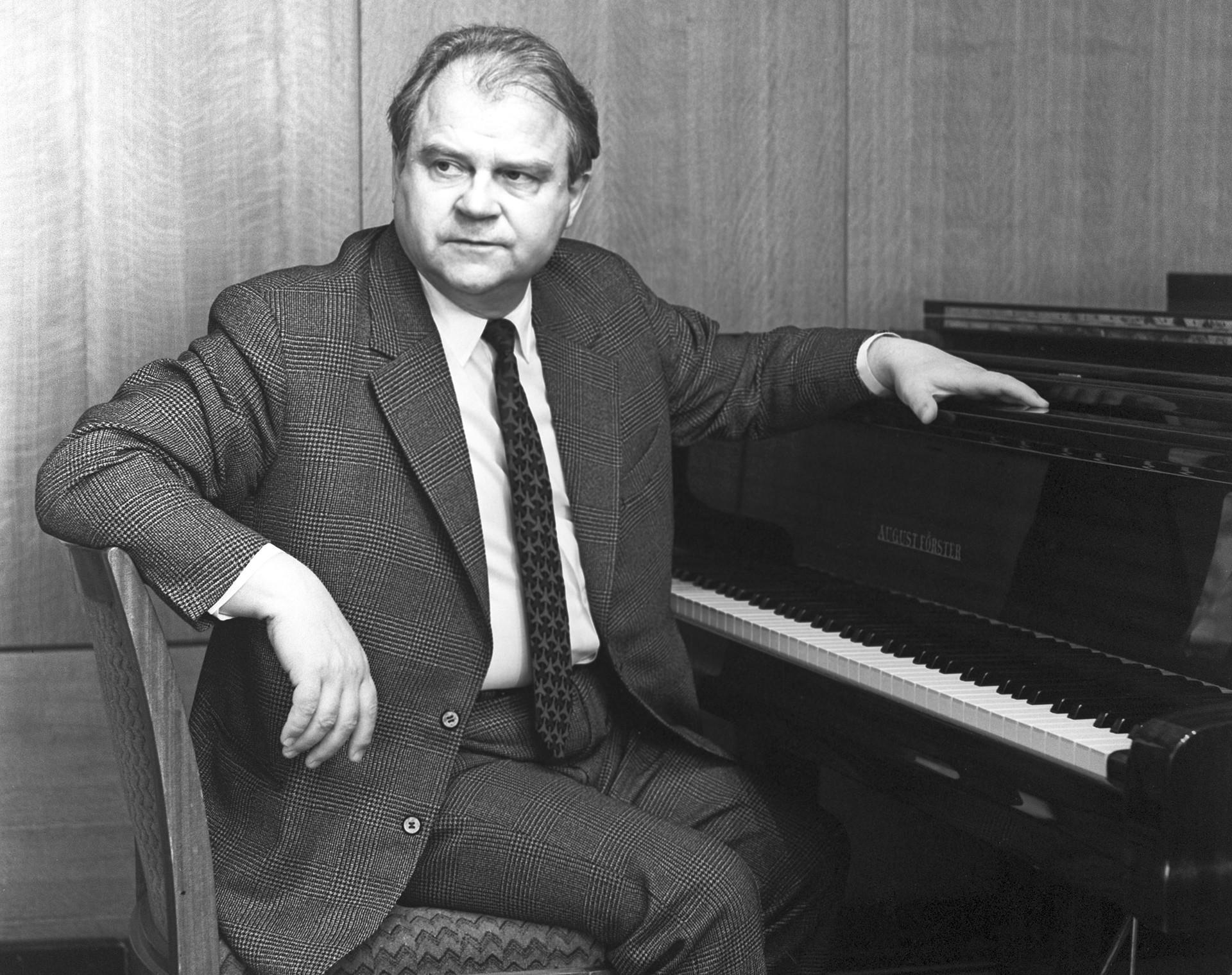 チホン・フレンニコフ