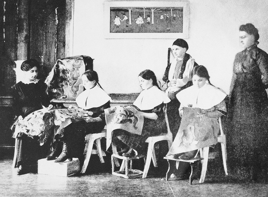 The goldwork school in Torzhok.