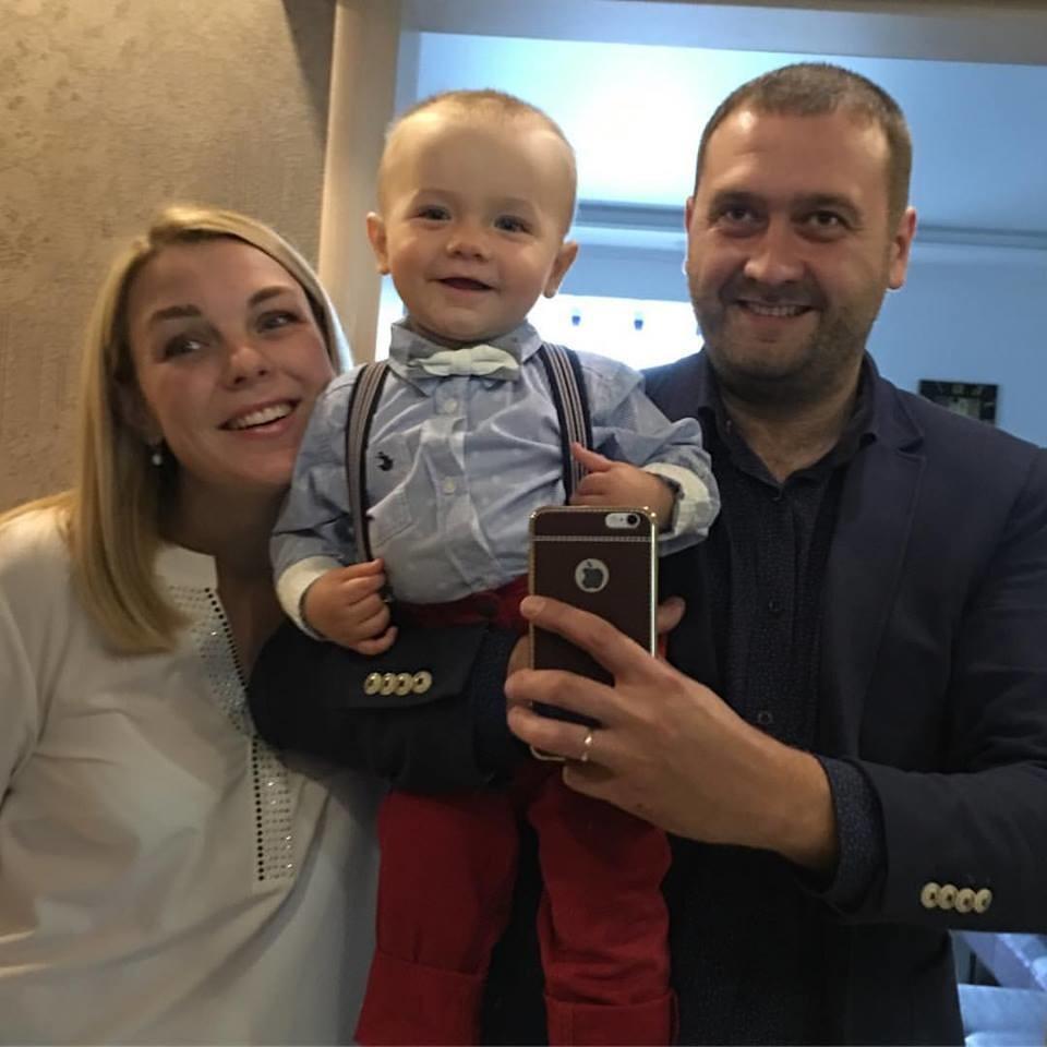 Данило Никитин са своjом породицом.