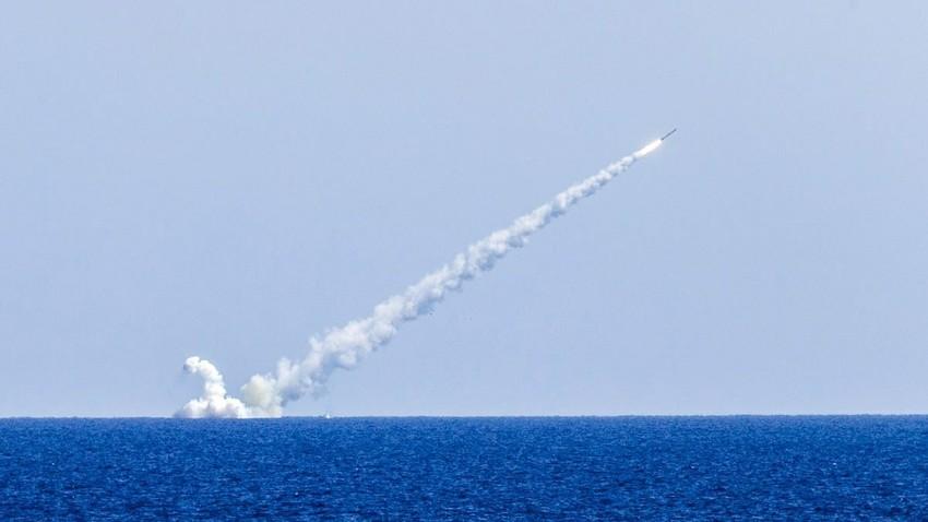 Ракета Калибар лансирана са подморнице Велики Новгород 14. 09. 2017.