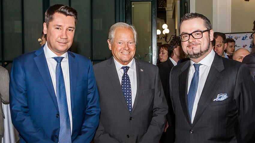 Le directeur général de la CCBL en Russie, Oleg Prozorov, le directeur général de la CCBL pour la Russie et la Biélorussie, Arkady Arianoff, et monsieur l'ambassadeur du Grand-Duché de Luxembourg en Russie, Jean-Claude Knebeler.