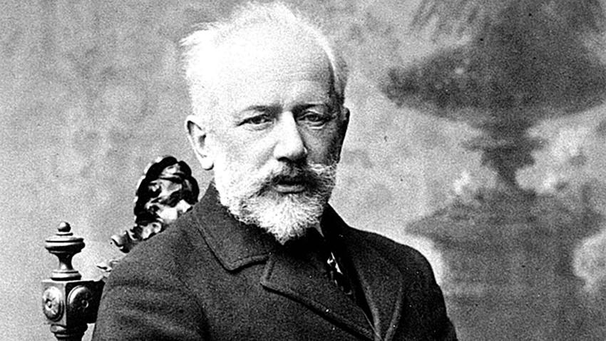 Tchaikovsky foi enterrado nove dias após sua última apresentação.