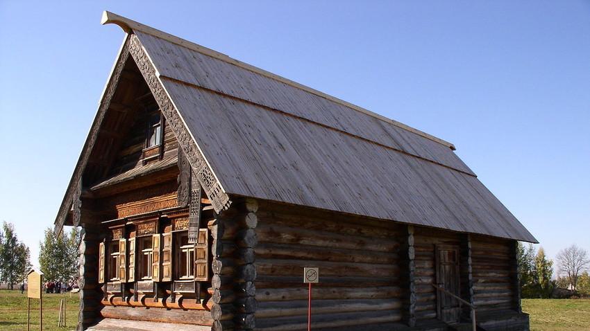 Tipična izba, ruska lesena koča, Muze lesne arhitekture in kmečkega življenja, Suzdal, Rusija