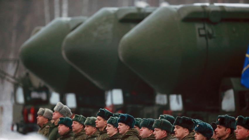 Mobilna medcelinska balistična raketa RS-24 Tejkovske divizije na generalki pred parado ob dnevu zmage