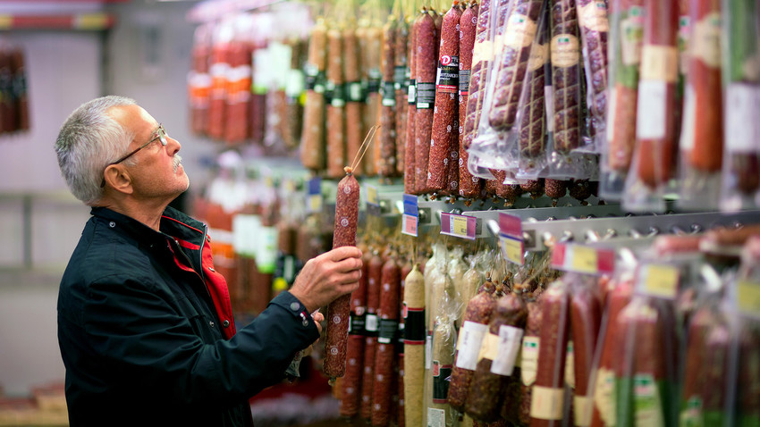 Bringing European salami will be risk-free, if you keep it sealed in the factory packaging.