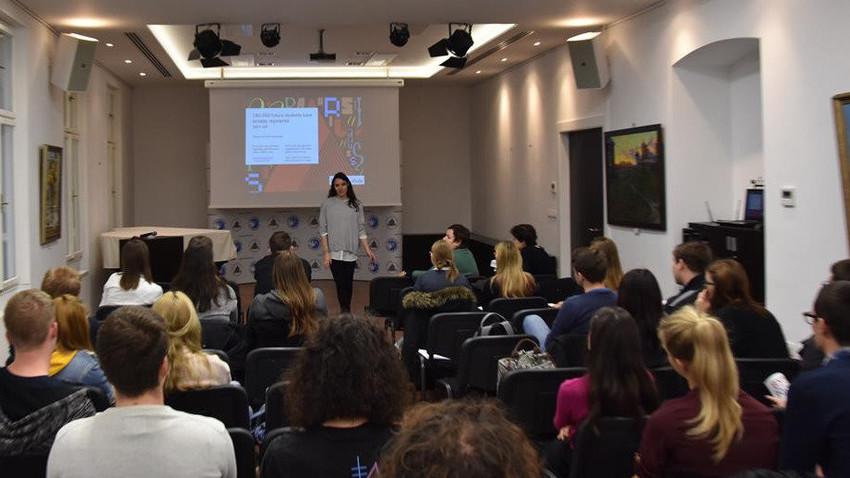 Fotografija z informativnega dneva v Ruskem centru znanosti in kulture v Ljubljani