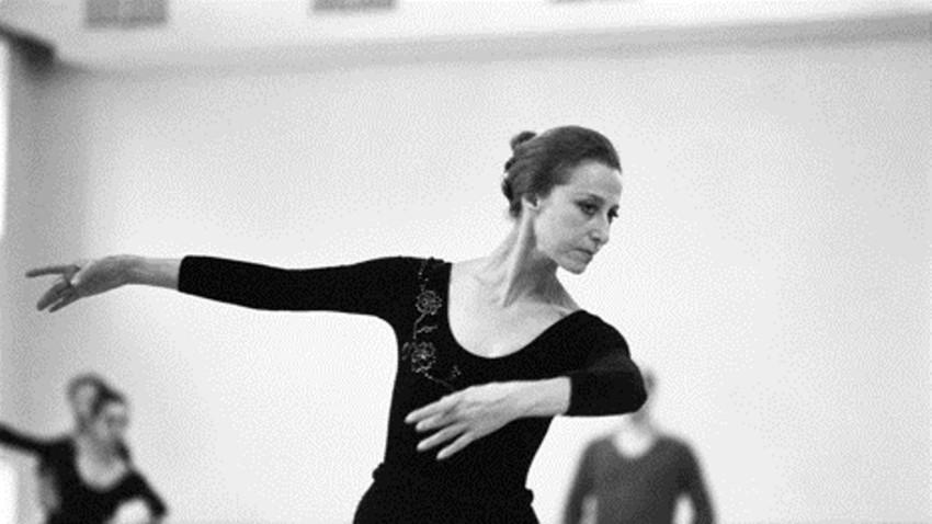 Ballerina Maja Plissezkaja beim Training am Moskauer Bolschoi-Theater, 1985.