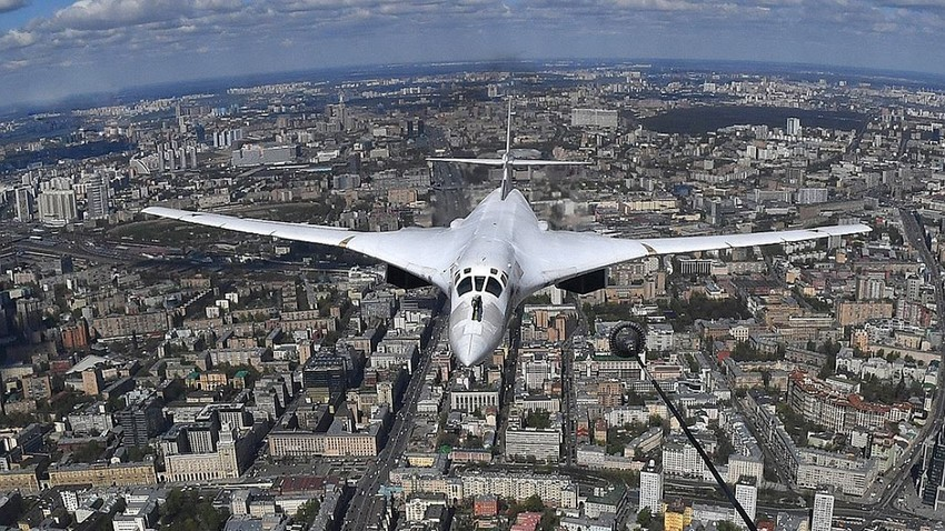 Ту-160 над Москва.