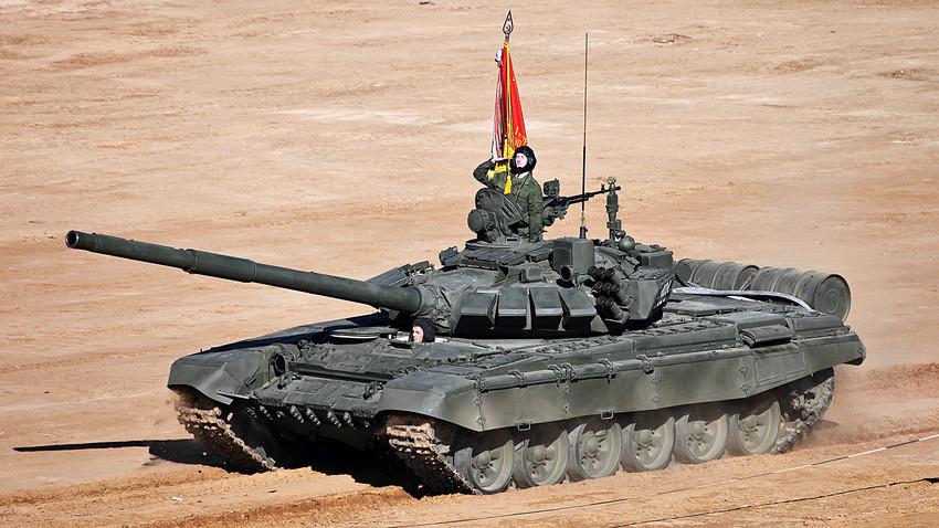 Versi terbaru dari tank T-72B3 telah diperbarui dengan sistem pengendalian tembakan digital, sistem perlindungan dinamis Relic, dan mesin turbodiesel 1.000 tenaga kuda