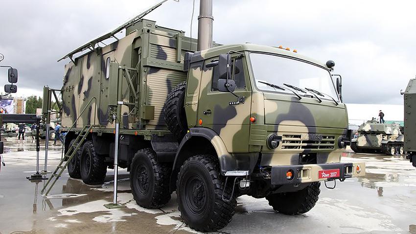 Уникалната мобилна електрическа станция СГДЕС-30 осигурява енергия за военни бази, палаткови лагери и гранични застави.