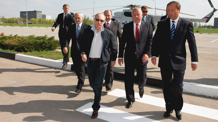 Does Vladimir Putin have any true friends?